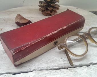 Vintage Distressed Red Leather Glasses Case, Glasses Box, Sunglasses Case, Eyeglass Case, Eyeglass Holder from 1970s