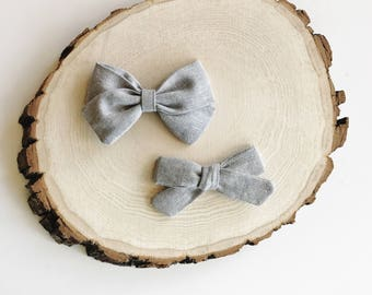 g r a y linen bow