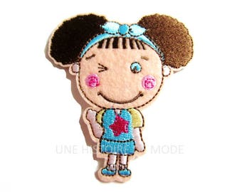 Patch, badge fusible girl / child to sew or iron 75 x 67 mm - Applique iron-on