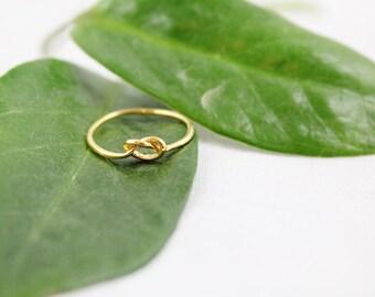 Minimalistic Gold Knot Ring