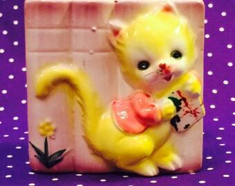 Yellow Kitten Wall Pocket made in America circa 1950s