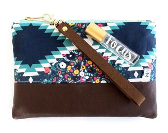 Essential Oil Credit Card Wristlet - Essential Oil Storage Purse - Doterra & Young Living Storage Bag - Credit Card Aztec Florals Clutch