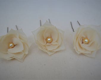 Set of 3 cream flower hair pins, bridesmaid hair clip, cream hair flower, flower hair accessory, rustic wedding hair clip, bridal hair pins