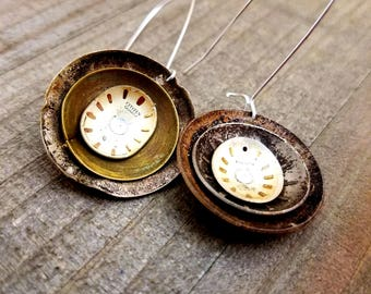 Brown Varigated Watch Face Flower Earrings