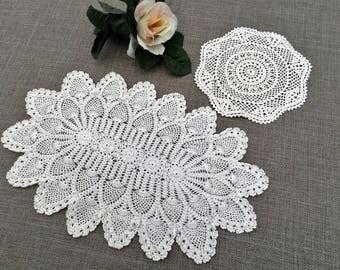 Lace Doilies. A Pair of Crochet Doilies. Oval and Round Doilies. 2 Crochet Doilies. 2 Vintage Doilies. White Doilies. 2 Lace Doilies RBT2791