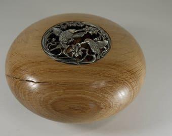 Pot pourri in distressed Oak