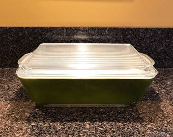 Pyrex 0503 Verde GREEN Dish with Lid in Excellent Condition