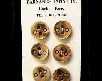 6 IRISH POTTERY BUTTONS,  set of vintage Farnanes Pottery buttons from Cork, Ireland / on original card / sewing crafts handmade 2 hole