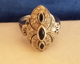R101 Sterling Silver Ring with Onyx
