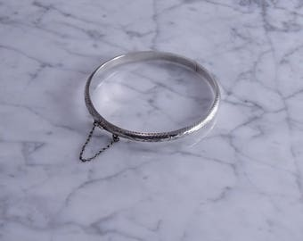 Sterling Silver Hinged Bangle(k)