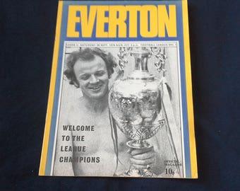 Everton v Leeds United Saturday 28th Sept 1974 football Programme