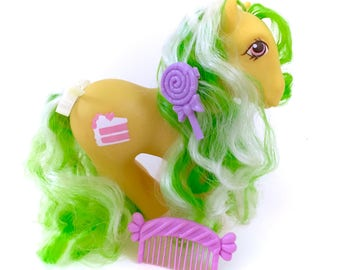 G1 My Little Pony Lemon Treats COMPLETE With Hair Clip Barrette Comb Cake Pie Factory Curls Original 80s Retro Hasbro Pegasus Winged MLP
