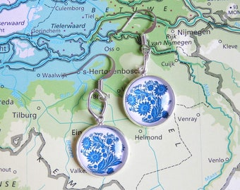 Delfts blauw bouquet of flower oorbellen  2 keuzes  Made in  Holland collectie