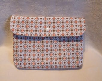 clutch geometric patterns for exterior and heart for the lining