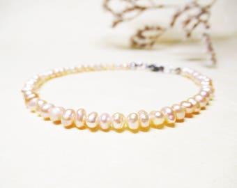 Freshwater Pearl Bracelet Minimalist Gemstone Bracelet Delicate Bracelet Bridal Bracelet Cream Freshwater Pearl Jewelry Romantic Bracelet