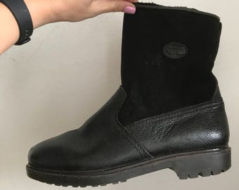 Winter warm boots from real leather and faux fur genuine leather, working boots vintage old boots retro style black boots has size-46 EU.