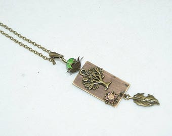 "Necklace with copper Medallion riveted ""Tree and its leaf"", Crystal, antique bronze, green"