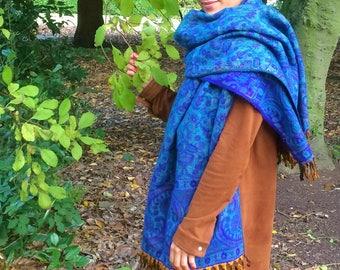 Paisley pattern scarfs,blanket scarfs,winter wraps,scarfs,warm winter shani shawls,shanti blankets,paisley