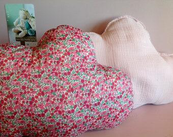 Cushion cloud Liberty petal and bud