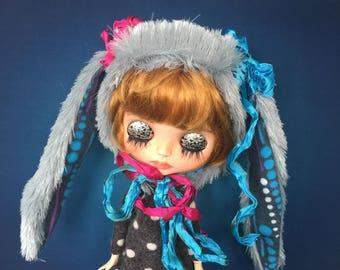 Blythe helmet, Blythe fur rabbit hat, doll fur hat, Blythe clothes, Blythe, Blythe outfit, Blythe dress, blythe doll, Blythe custom doll