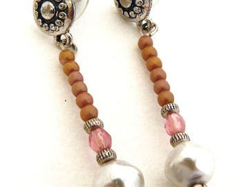 Beautiful earrings with glass beads and fancy clasp