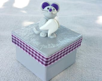 gray square teeth box with little mouse (violet tone)