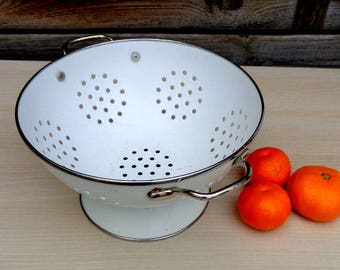 Vintage white enamel colander/ Strainer/ Slieve/ Rustic kitchen decor/ Antique farmhouse