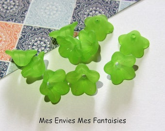10 pearls, Cup flower lucite 13 x 7mm Green