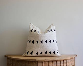 "Mudcloth Pillow Cover ""Liddi"" 18x18"