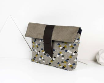 """Linen """"triangles"""" beige suede and leather pouch"""