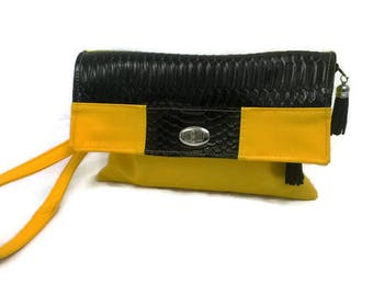 Yellow and black clutch bag shoulder bag with a flap pocket two zipped pockets, sleeve girl, detachable strap