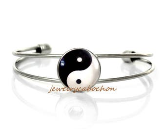 Bracelet yin yang black and white silver color