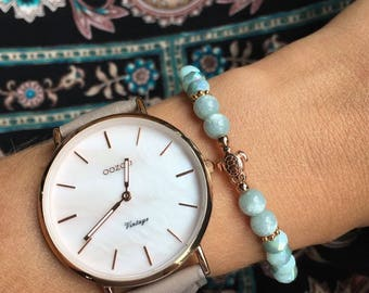 Summer pearl bracelet in mint/rose gold with small turtle
