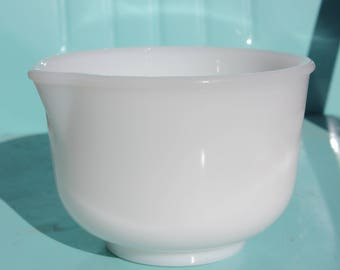 1950's 60's Vintage Glasbake for Sunbeam Mixmaster - Small White Mixing Bowl - 6 3/8 inches diameter - Excellent Condition