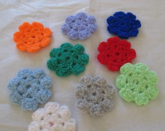 set of 10 flowers made up of 7 petals crocheted