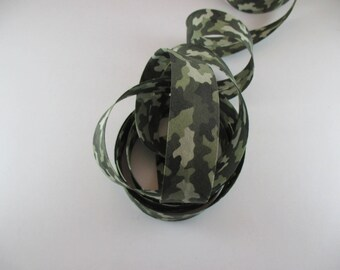 Bias khaki camouflage 100% cotton 30 mm wide.