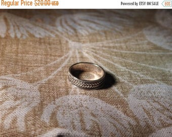 ON SALE stunning vintage sterling silver celtic band ring  size 8 1/2