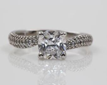 Ladies 14kt White Gold Diamond Engagement Ring | U414