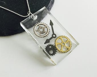 Gears and cogs necklace , steampunk necklace , resin necklace , gears , cogs , steampunk cogs and gears , jewellery , necklace , gifts
