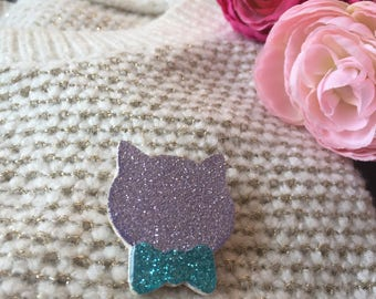"""Elegant cat"" Purple brooch"