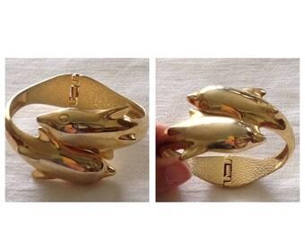 Anniversary Sale Vintage Goldtone Dolphin Clasp Bracelet