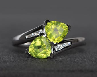 promise ring natural peridot ring trillion cut green gemstone sterling silver ring August birthstone