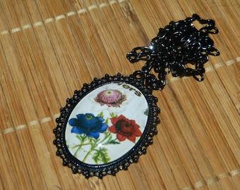 Cabochon pendant baroque floral bouquet