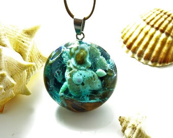 seashell necklace, seashell pendant, ocean jewelry, shell jewelry, ocean pendant, wood resin pendant, mermaid necklace, resin wood jewelry