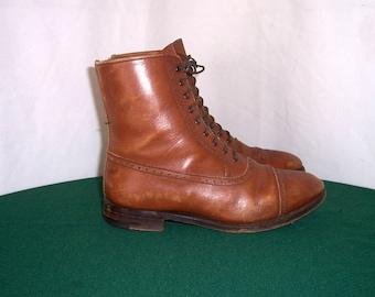 Sz 7.5 U.S. Women, Sz 5.5 UK Women, Vintage Short brown leather 1980s flat lace up granny ankle boots.