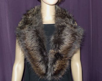 "Nice  vintage  raccoon fur notched  collar   42""   -Joli collet cranté de chat sauvage  - 42"" -"