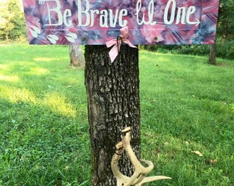 Pink Camo Wall Art and Bow Display
