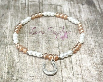 Pearl bracelet with white / Brown Horseshoe