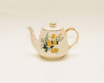 Porcelain Tea Pot by Sadler England