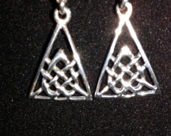 Hand crafted celtic sterling silver earrings (e10)